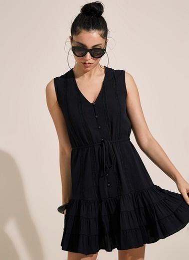 Morhipo Beach Düğme ve Bağlama Detaylı Volanlı Elbise Siyah
